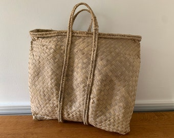 Vintage handwoven grass market bag or beach bag, boho style tote bag