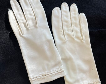 Vintage 1950s wrist-length white gloves with embroidered detail, youth size S/M or adult XXS