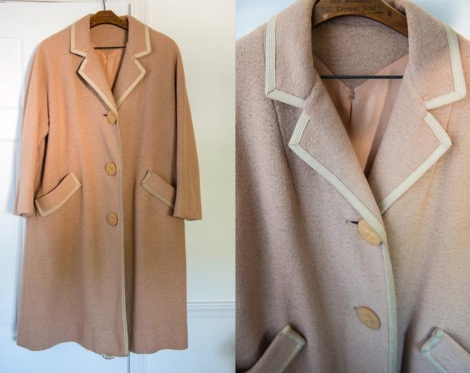 Vintage 50s 60s beige lightweight winter coat or spring coat, Hockanum Fabric, Sz XL
