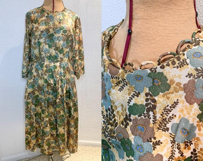 Vintage 60s floral shirtwaist dress handmade with loop trim detail at neckline, Size 2X