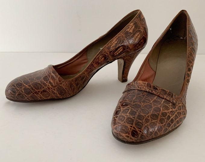 Vintage 1950s brown genuine leather pumps or heals, size 5.5/6