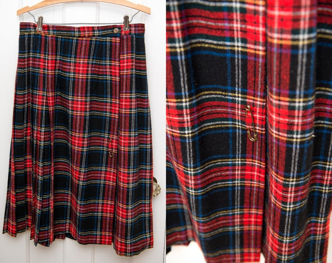Vintage red plaid wool pleated wrap skirt with skirt pin, tartan skirt, Higbee's Pacesetter, Sz M