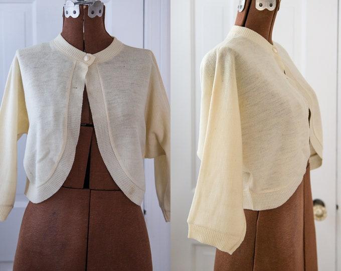 Vintage 1950s cream color fine wool bolero sweater shrug Sz S *flaws*