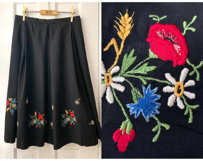 Vintage 50s 60s black pleated skirt with floral embroidery Sz M