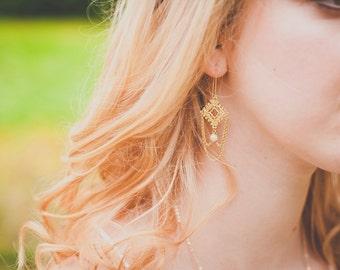 Alençon earrings - vermeil 18k baroque freshwater pearls threader earrings - boho chic 20s - Renaissance tudor victorian chandelier earrings