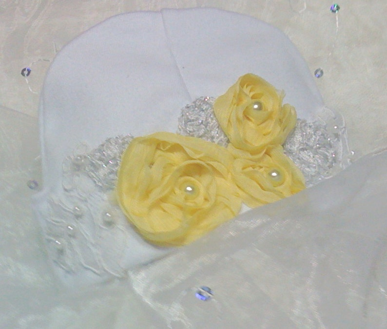 Yellow Flowers /& Lace Baby Girl Coming Home Hat