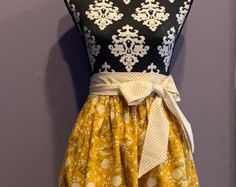 Apron - custom order half apron - ruffle, pocket, bow