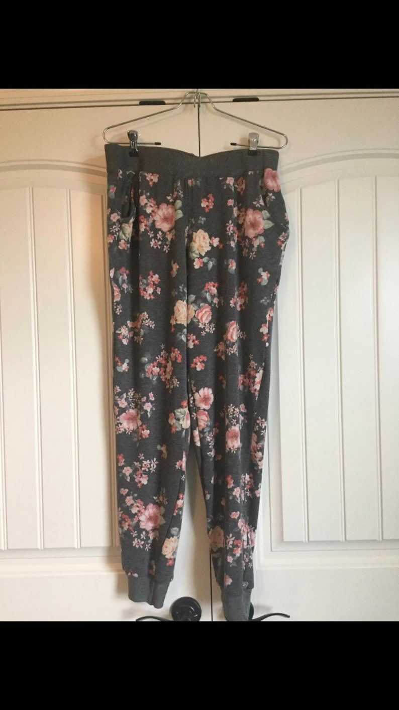 Ladies Jogger  made to order you choose fabric image 0