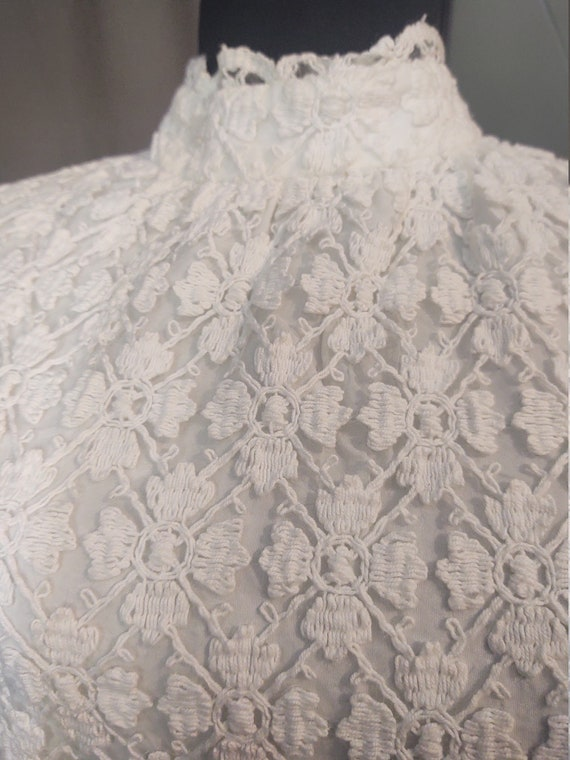 Sealfons Mod Crochet Mini Dress  Vintage 1960s Mo… - image 7