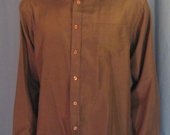 Vintage Mens 1970s Chess King in Chocolate Brown  / 70s Mens Poly Shirt with one Chest Pocket/ Size Large