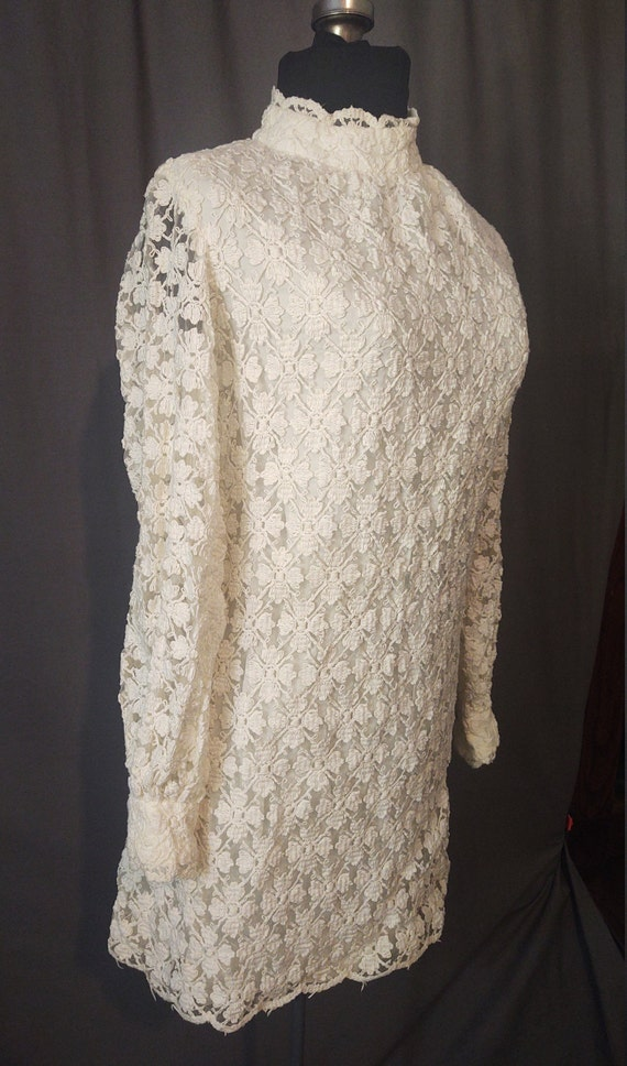 Sealfons Mod Crochet Mini Dress  Vintage 1960s Mo… - image 4