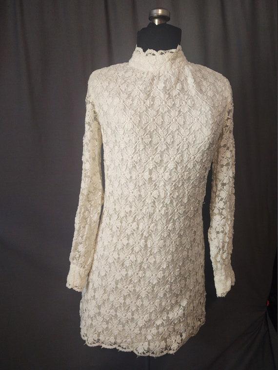Sealfons Mod Crochet Mini Dress  Vintage 1960s Mo… - image 2