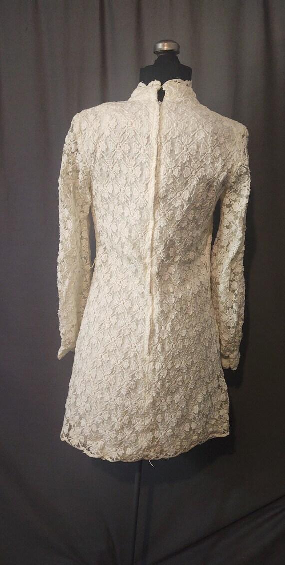 Sealfons Mod Crochet Mini Dress  Vintage 1960s Mo… - image 8
