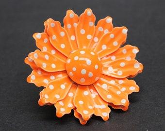 Vintage Orange and White Mod Daisy Polka Dots Brooch (E10378)