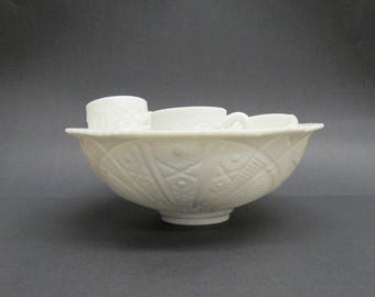 Vintage Pressed Milk Glass Punch Bowl with 10 Punch Cups (E9797)