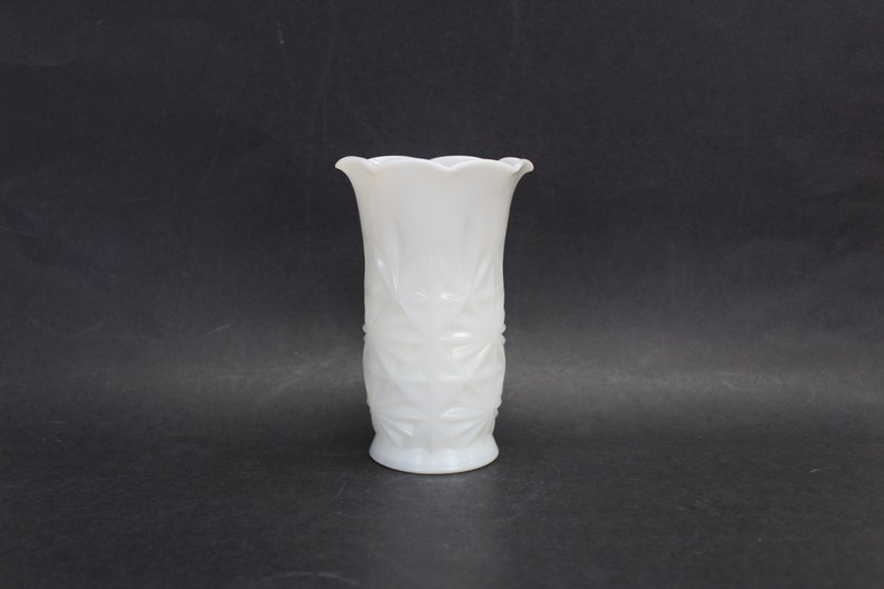 E13767 Vintage Small Milk Glass Vase with Quilted Star Details