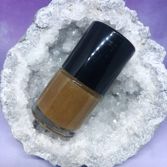 Tiger's Eye crushed mineral powder top coat nail polish star stuff vegan orange gold shimmer crystals