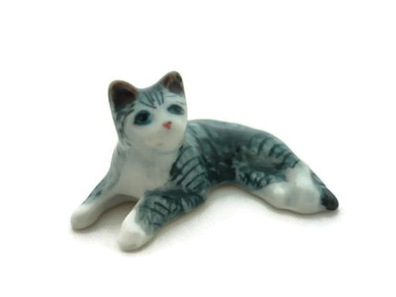Mini Tiny Black White Striped Cat Dollhouse Miniature Ceramic Animal Figurines