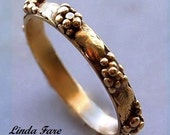 18k  gold grape cluster ring  stacking ring spacer ring wedding ring hand engraved size 6 1/2