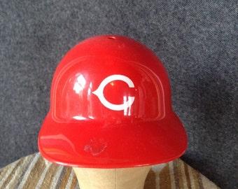 740ffc90d38 Vintage MLB Cincinnati Reds batting helmet USA