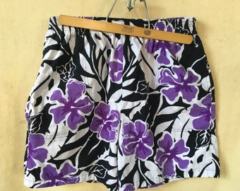 3d3fb5aed3784 1980's Hilo Hattie's Hawaii floral print shorts USA large