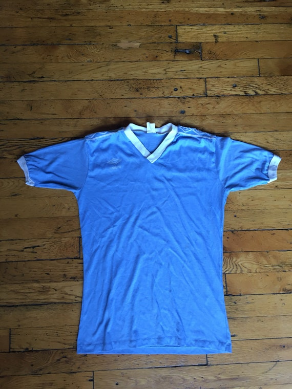 1980's Umbro soccer jersey large