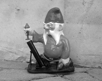 UNPAINTED Combat Garden Gnome with Mortar Launcher