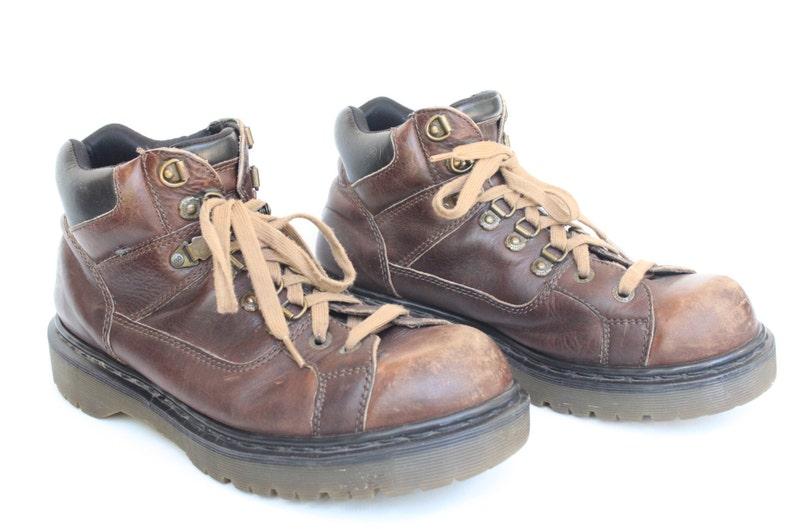 60c303fefafd Vintage Men s Dr. Martens Brown Leather Lace Up Boots Size