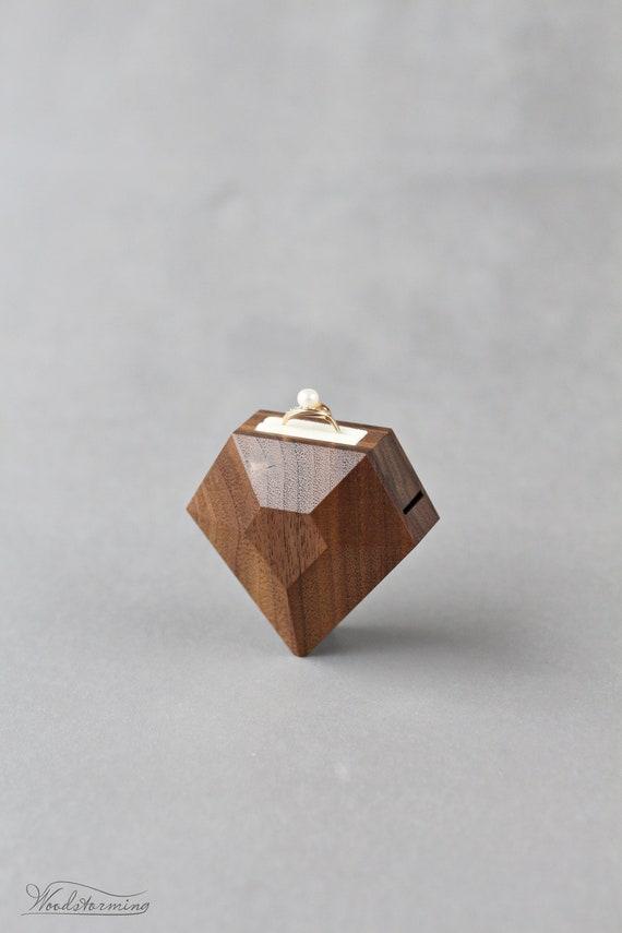 Rectangular shape proposal ring box