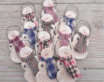 Wholesale Primitive Salt Dough Snowmen Set of 10 / Party Favors /  Wedding Favors /  Napkin Rings