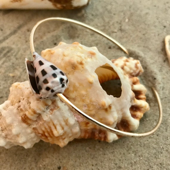 Soldered hammered Hawaiian bangle 14kt gold filled cone shell