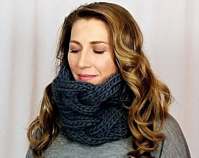 Featured listing image: Great Cabled Cowl in 100% Peruvian Wool - Available in 25 colors