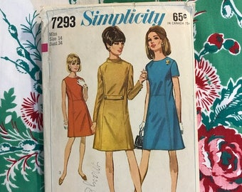 Vintage 1967 Simplicity Dress Pattern 7293 Shift Dress in Three Styles Size 14 Bust 34