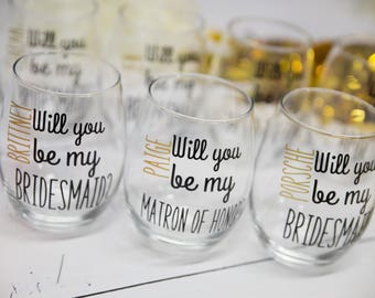 Will you be my Bridesmaid?  Black and Gold stemless wine glasses Bridesmaids, Maid of honor. Wedding party gifts. Will you be my Bridesmaid?