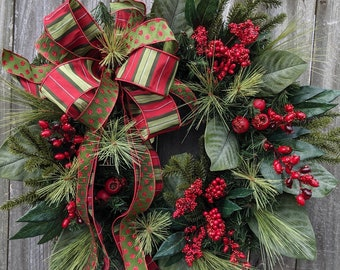 Christmas Wreaths / Holiday Door Wreath with Sparkle Accent/ Natural Magnolia Christmas Wreath / Christmas Wreath, Elegant Wreath