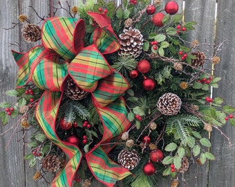 Christmas Wreaths, Christmas Wreath for Door, Natural Elegant Christmas wreath Sparkle and Plaid Natural Holly, Red Berries, Christmas