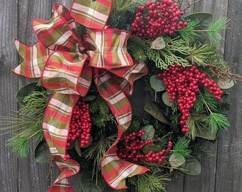 Christmas Wreath, Classic Christmas Wreath, Red and Green Plaid Natural  Christmas wreath Magnolia, Red Berries, Christmas Decor