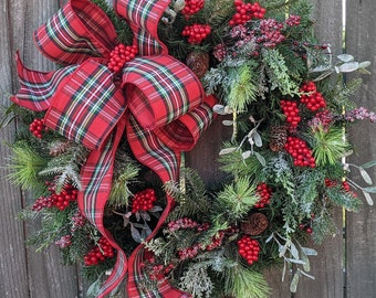 Christmas Wreath, Christmas Door Wreath, Warm Plaid Winter Natural Wreath Christmas wreath Snowy Wreath for Door, Mistletoe Christmas