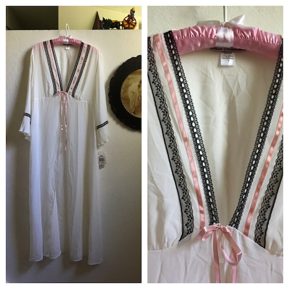 Never Worn Beautiful Vintage Sheer Bone White Linea Donatella Lingerie Robe Adorned With Black Lace And Pink Silky Ribbon ~ Tags Attached