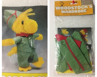 Vintage Woodstock's Wardrobe ~ 1965 United Feature Syndicate, Inc.  Made In Hong Kong ~ Millitary Woodstock Outfit