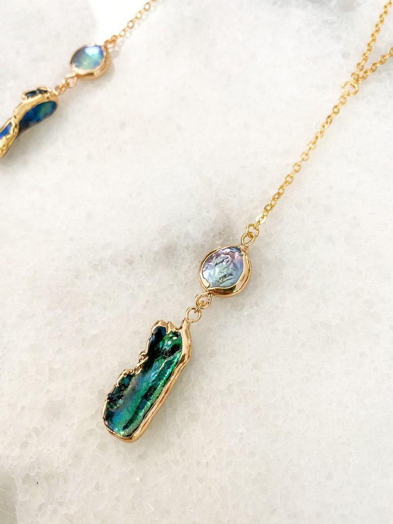 Delicate Lariat Iridescent Pearl Drop Necklace