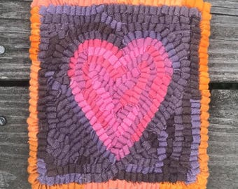 "DIY Kid Friendly Fiber Art Project - Pink Heart Complete 6 by 6.5"" Primitive Beginner Rug Hooking Kit"
