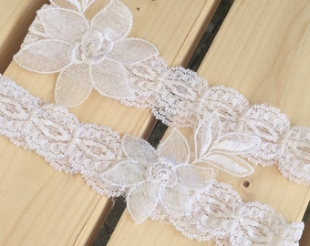 Bridal Garter Set in White Stretch Lace, Wedding Keepsake Garter, Toss Garter, Something Blue