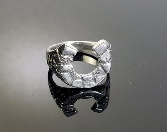Size 8.5 Sterling Silver Smaller Horseshoe Ring