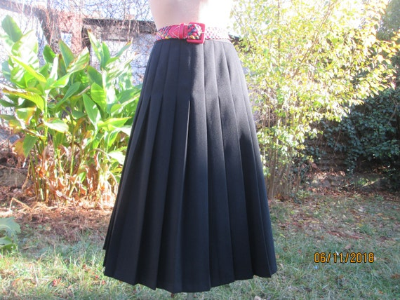Wool Pleated Skirt / Wool & Poly / Skirt Vintage /