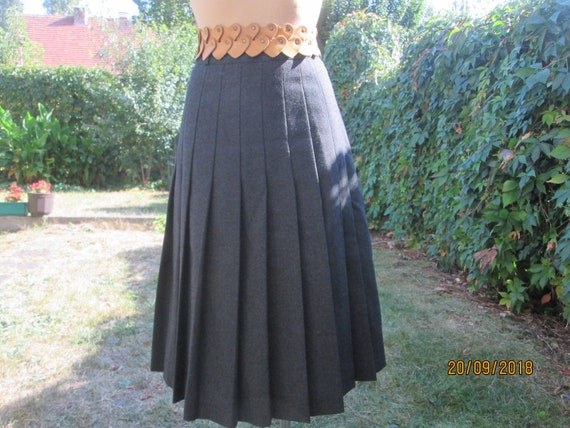 Woolen Pleated Skirt / Pleated Skirt / Skirt Vinta