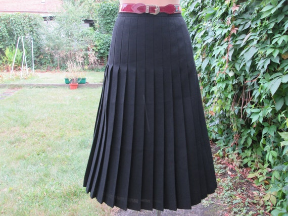 Wool Pleated Skirt / Skirt Vintage / Black Wool Sk