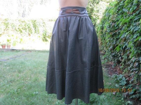 Leather Skirt / Skirt Vintage / Size EUR38 / 40 /