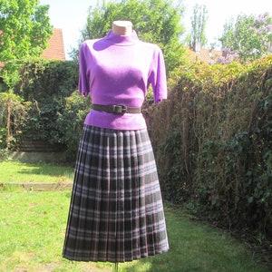 Pleated Skirt  Pleated Skirts  Skirt Size EUR44  UK16  Green  Olive  Elastic Waist  Midi  Checkered Skirt  Plaid  Tartan