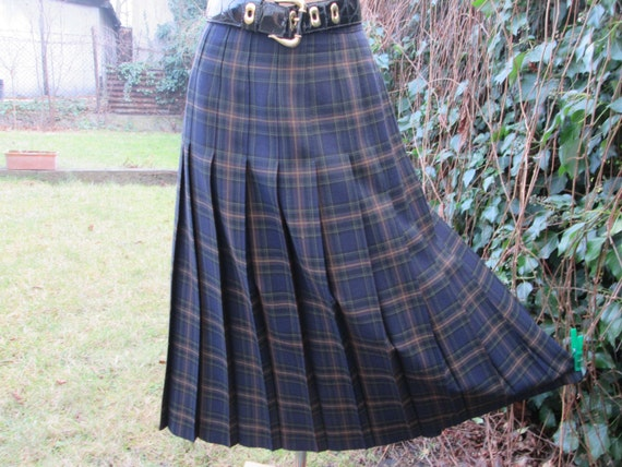 Pleated Woolen Skirt / Wool Skirt / Pleated Skirt